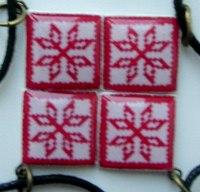 Кулён handmade з элементам нацыянальнага арнаменту (сымбаль маці)