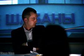 Альгерд Бахарэвіч на прэзэнтацыі свайго новага раману / фота Сяргея Гудзіліна, nn.by